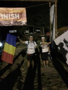Maraton Transylvania Trail Traverse cu drapelul Romaniei si steagul dacilor -Final de cursa la Bran. Pentru a 120 oara cu drapelul Romaniei si a 6-a oara cu steagul dacilor.