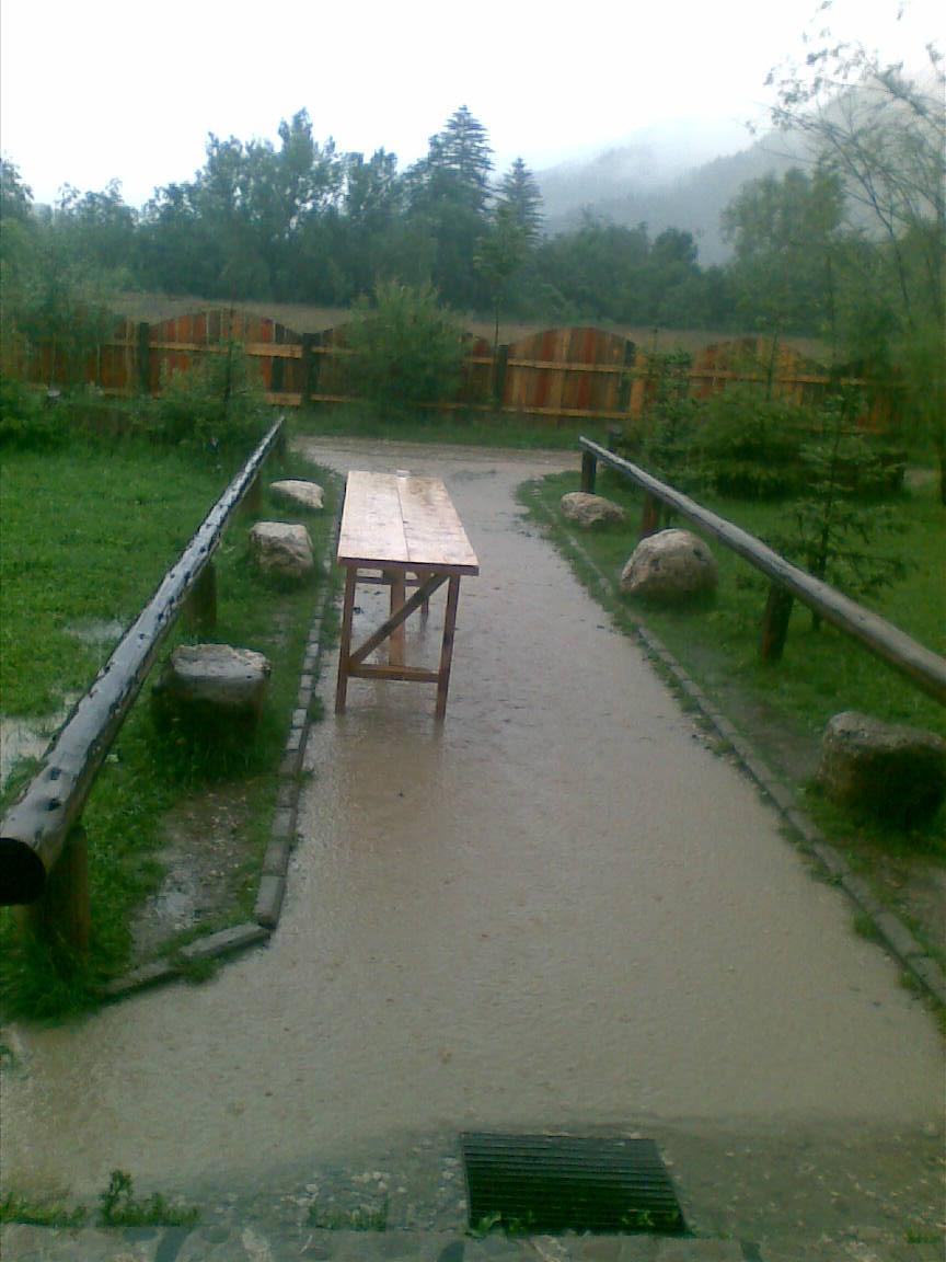 inundatii21.jpg